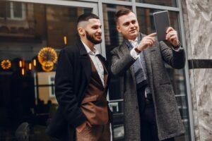 Πανωφόρια - Οι κορυφαίες τάσεις σε ανδρικά παλτό και μπουφάν της σεζόν 2020-2021